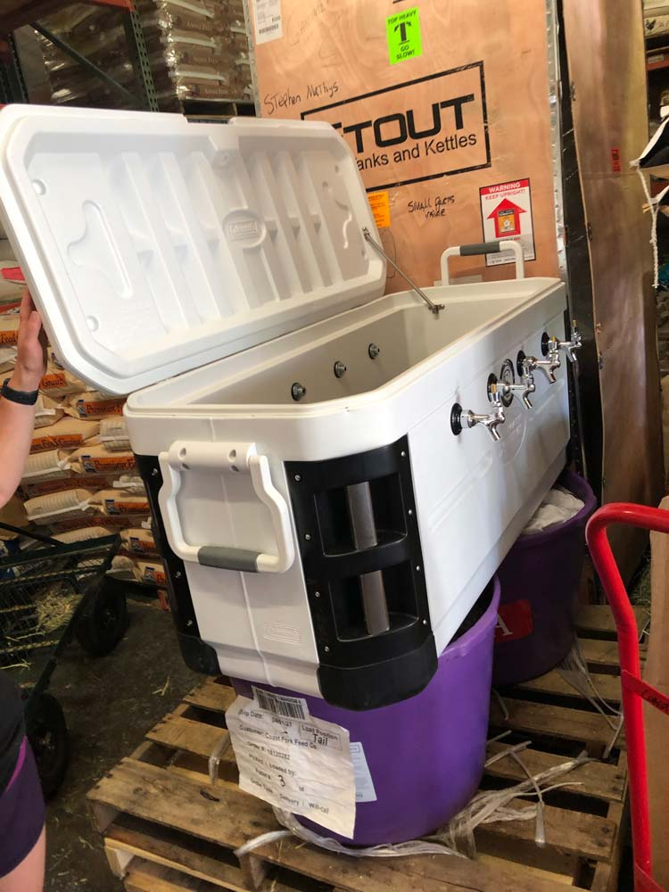 Jockey Box with Four Mobile Taps